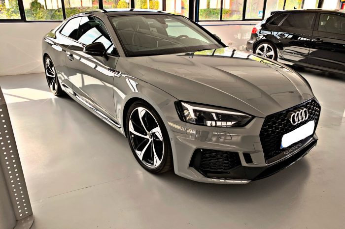Alquilar Audi RS5