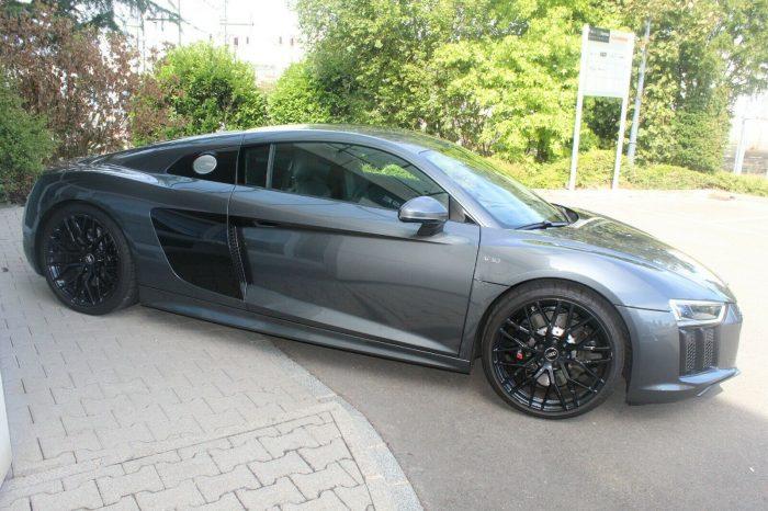 Alquilar Audi R8 V10