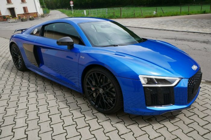 Alquilar Audi R8 V10 PLUS