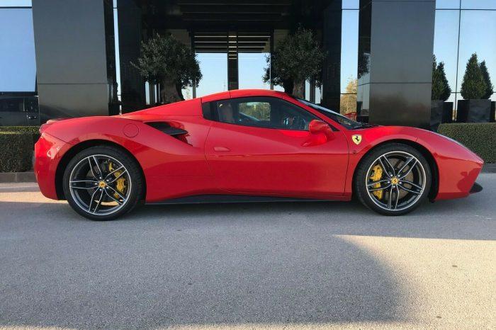 Alquilar Ferrari 488