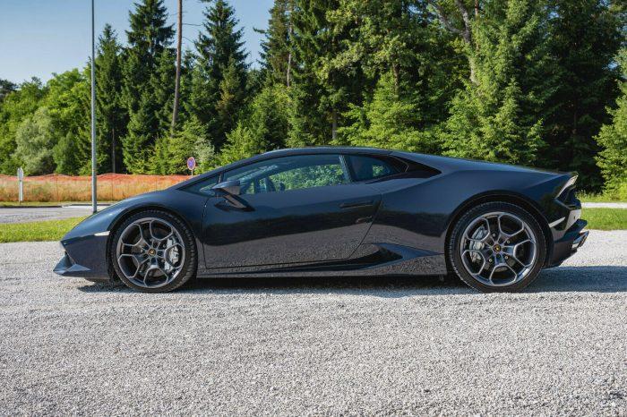 Alquilar Lamborghini HURACAN