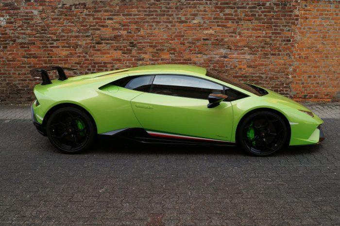 Alquilar Lamborghini HURACAN PERFORMANTE