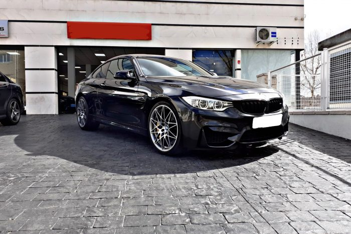 Alquilar BMW M4 COMPETITION