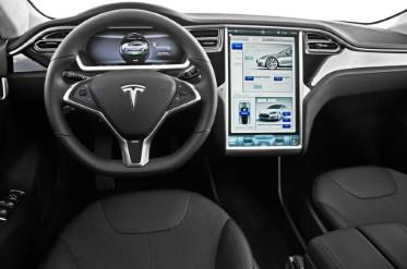 Compra un Tesla de segundamano… y le desactivan los extras desde Internet